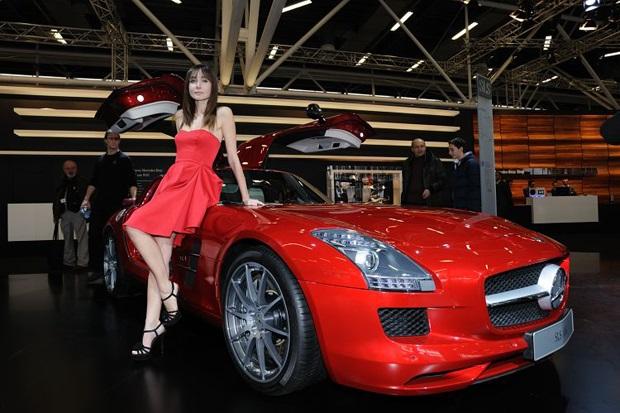 Gisele Bundchen esce dalla sua Audi A8