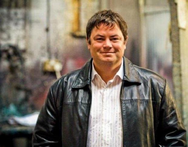 Il conduttore britannico Mike Brewer