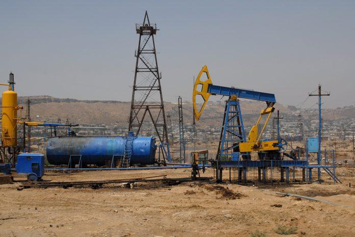 Una pompa petrolifera