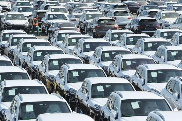 Allo studio sgravi fiscali per rilanciare il mercato dell'auto