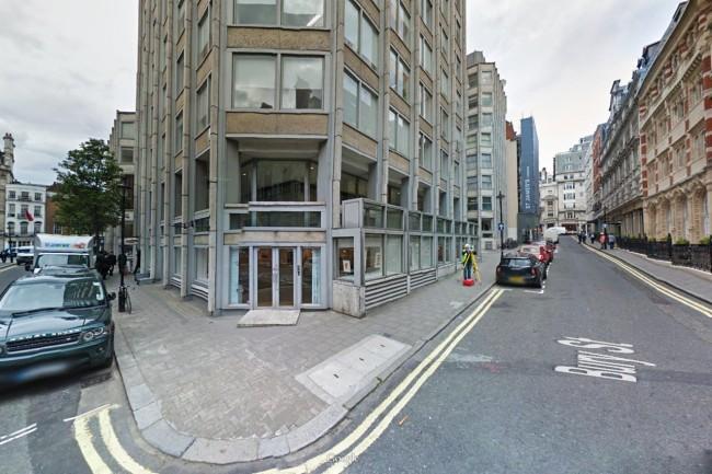 L'immagine Street View del palazzo in St.James Street a Londra, nuove sede di Fca