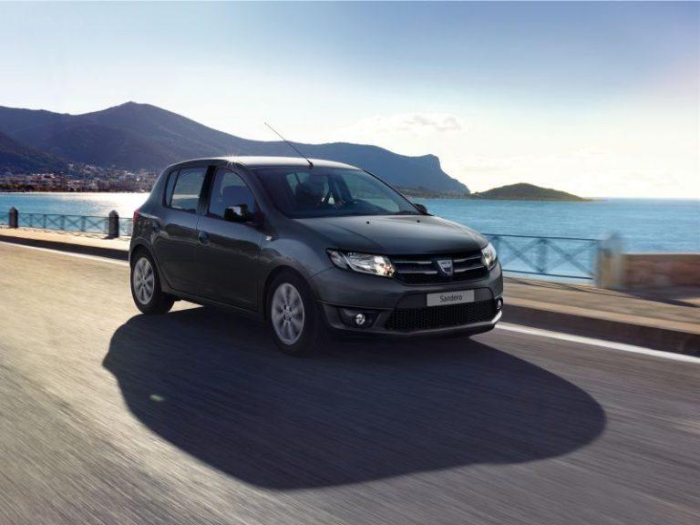 Dacia Sandero 2015: prezzi, caratteristiche e scheda tecnica