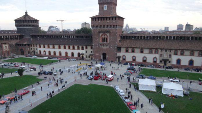 Le auto in mostra al Castello Sforzesco di Milano