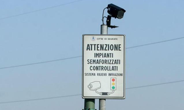 Un esempio di controllo al semaforo