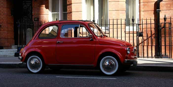 Fiat 500: la piccola auto d'epoca che ha fatto la storia