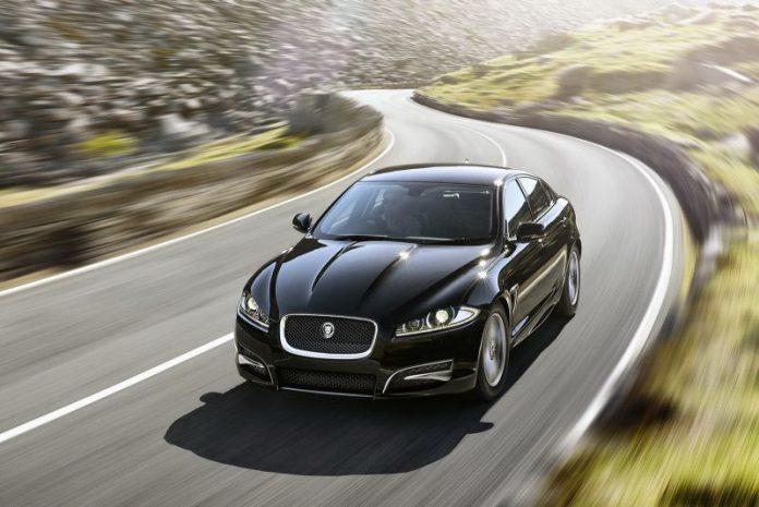 Jaguar XF R-Sport Black