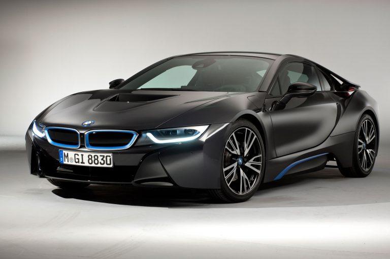 BMW i8: prezzo, prestazioni e scheda tecnica