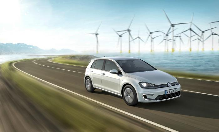 Volkswagen e-Golf: prezzo, autonomia e prestazioni della Golf elettrica