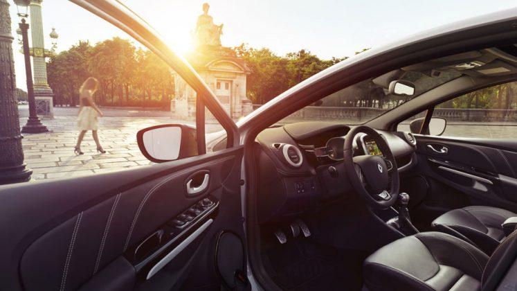Clio Initiale Paris