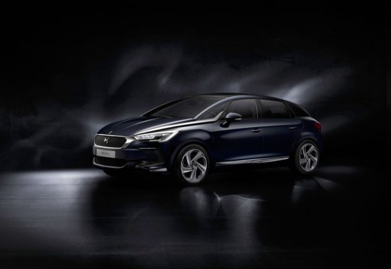 Nuova DS 5: ecco la vettura premium che segna l'indipendenza da Citroen