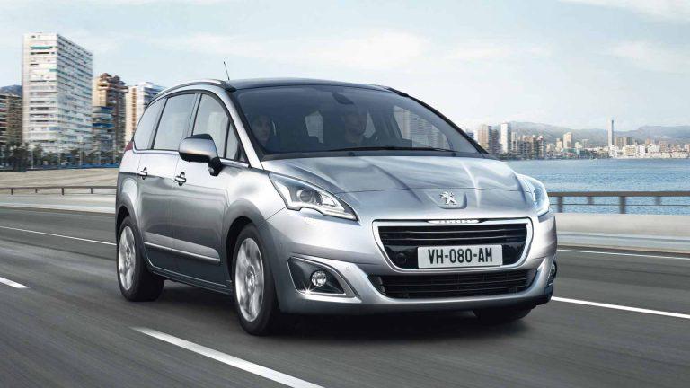 5008: prezzi, foto e scheda tecnica della 7 posti Peugeot