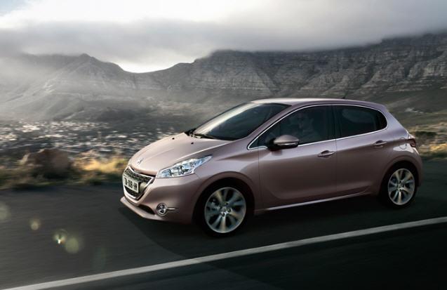 Peugeot 208 PureTech 100 CV GT Line 3P 2015: primo contatto, prova, recensione