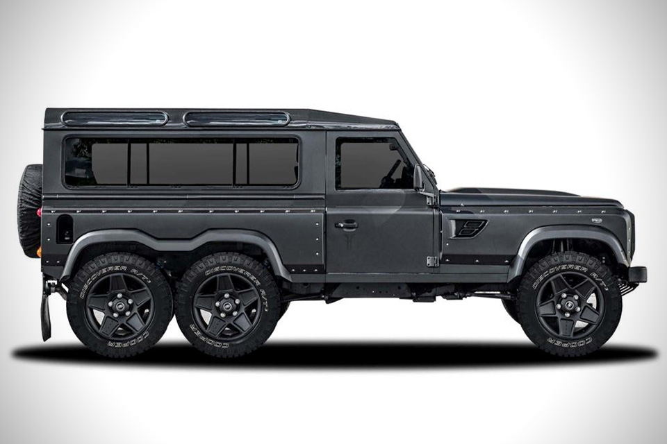 land rover defender flying huntsman  un defender con sei