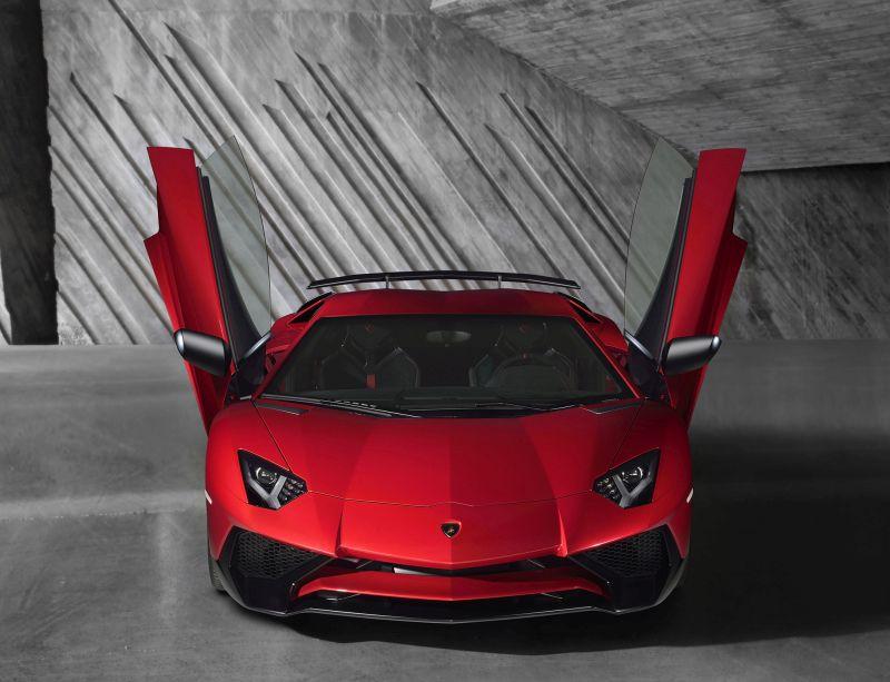 Prestazioni della Lamborghini Aventador LP750-4 SV
