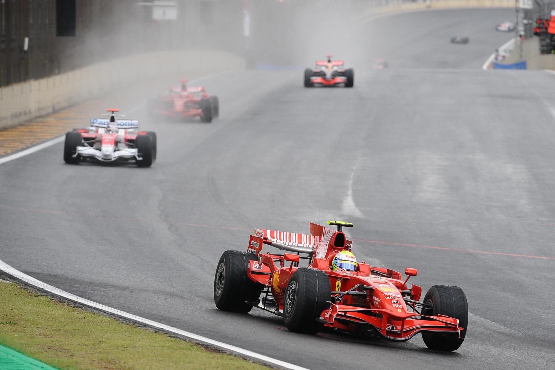 """Felipe ad Interlagos 2008. Dietro di lui il """"famigerato"""" Timo Glock"""