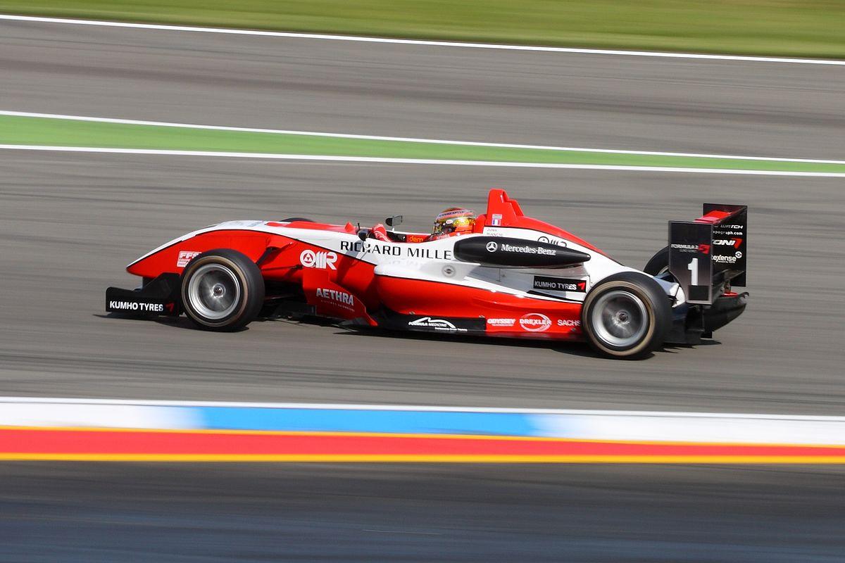 Jules in F.3 nel 2009