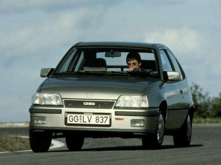 Opel Kadett E: storia e caratteristiche della quinta ed ultima generazione