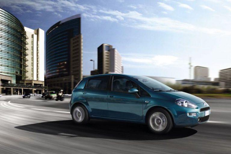 Fiat Punto 2015: la nuova gamma senza la variante a tre porte e le motorizzazioni diesel