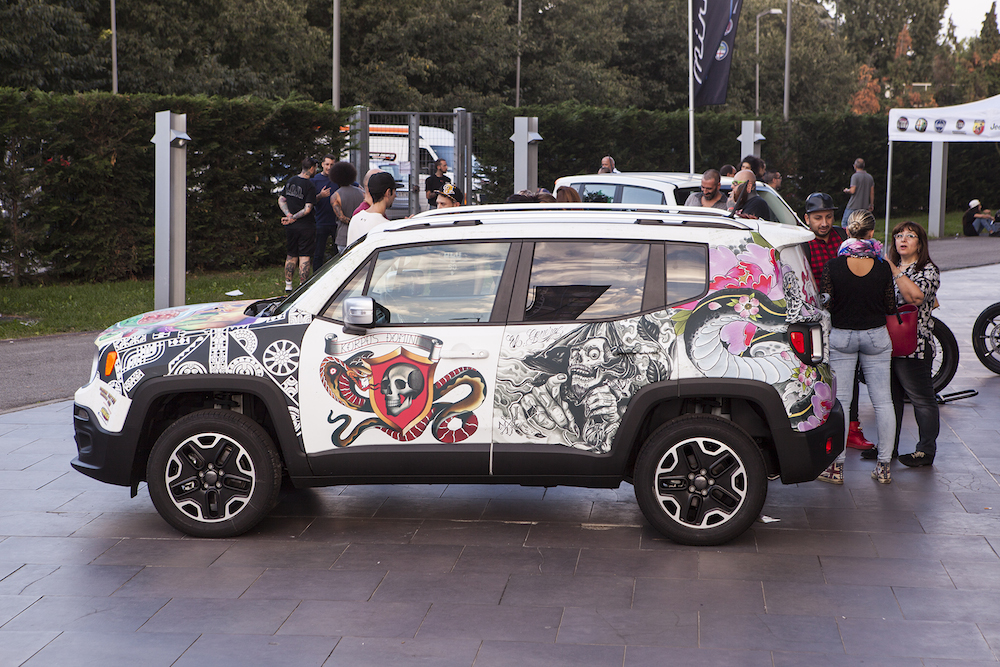 Jeep Renegade Tatuata Al Mirafiori Motor Village