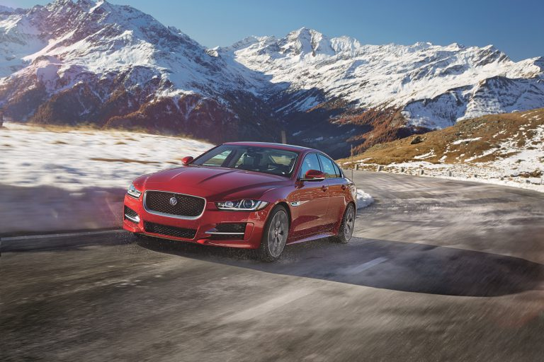 Jaguar XE 2016: l'arrivo a primavera, prezzi, motori e tecnologia al top