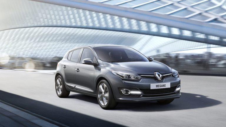 Renault Megane station wagon: benzina e ibrida, motori, prezzi e novità