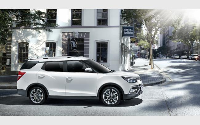 Ssangyong XLV: spiccatamente pratico, il SUV presenta doppio motore