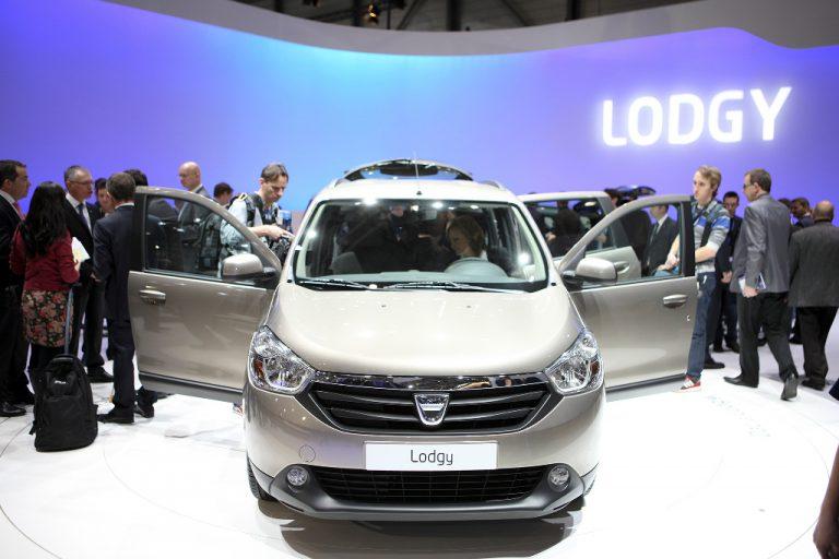 Nuova Dacia Lodgy 2016: il listino prezzi