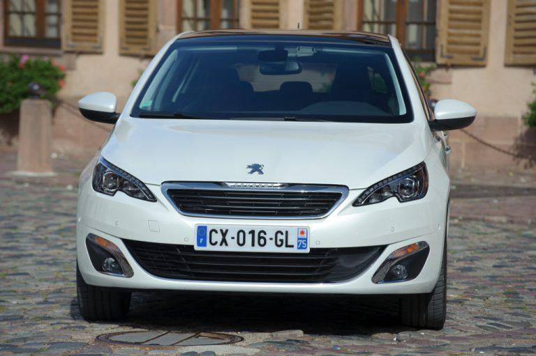 Peugeot 308 2016 prova su strada: la comodità fatta ad auto