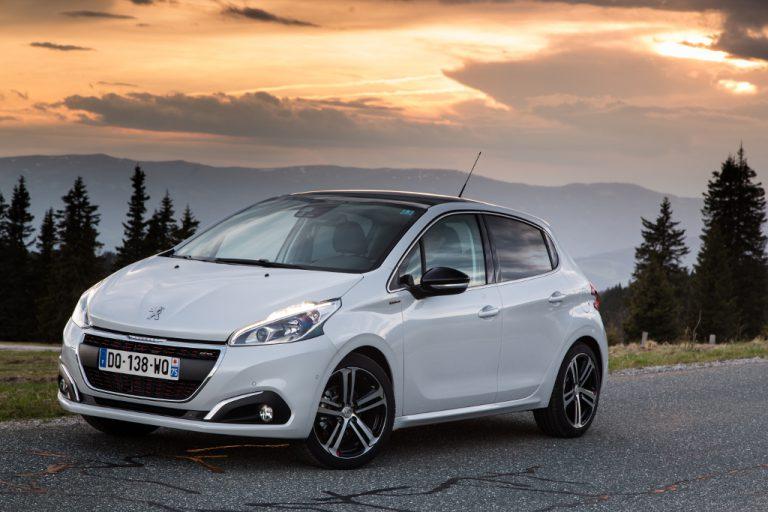 Peugeot 208 2016 prova su strada: piccola ma potente, le nostre impressioni