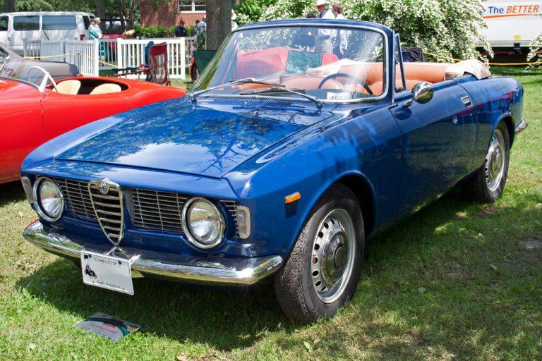 Alfa Romeo Giulia GT: figlia di Giugiaro l'icona degli Anni Sessanta e Settanta