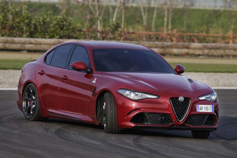 Nuova Alfa Romeo Giulia Quadrifoglio: al via gli ordini con cambio automatico