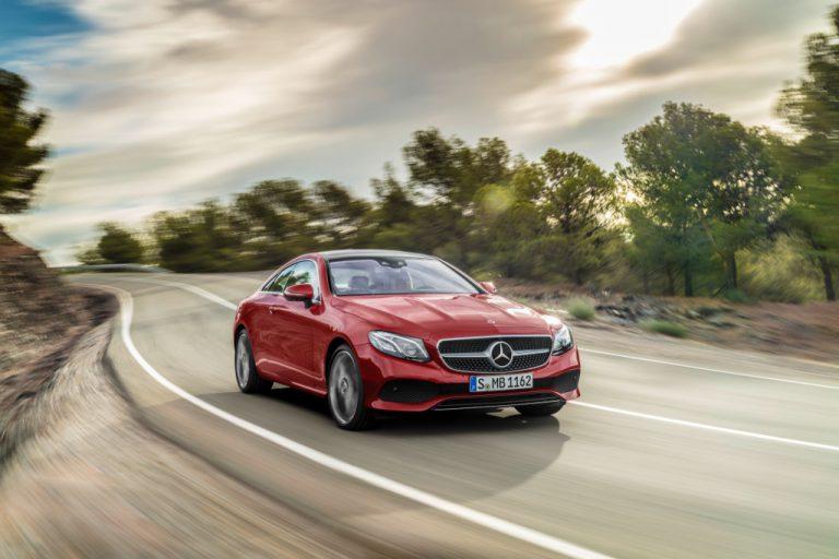 Mercedes Classe E Coupé: guida briosa, guadagna in lunghezza