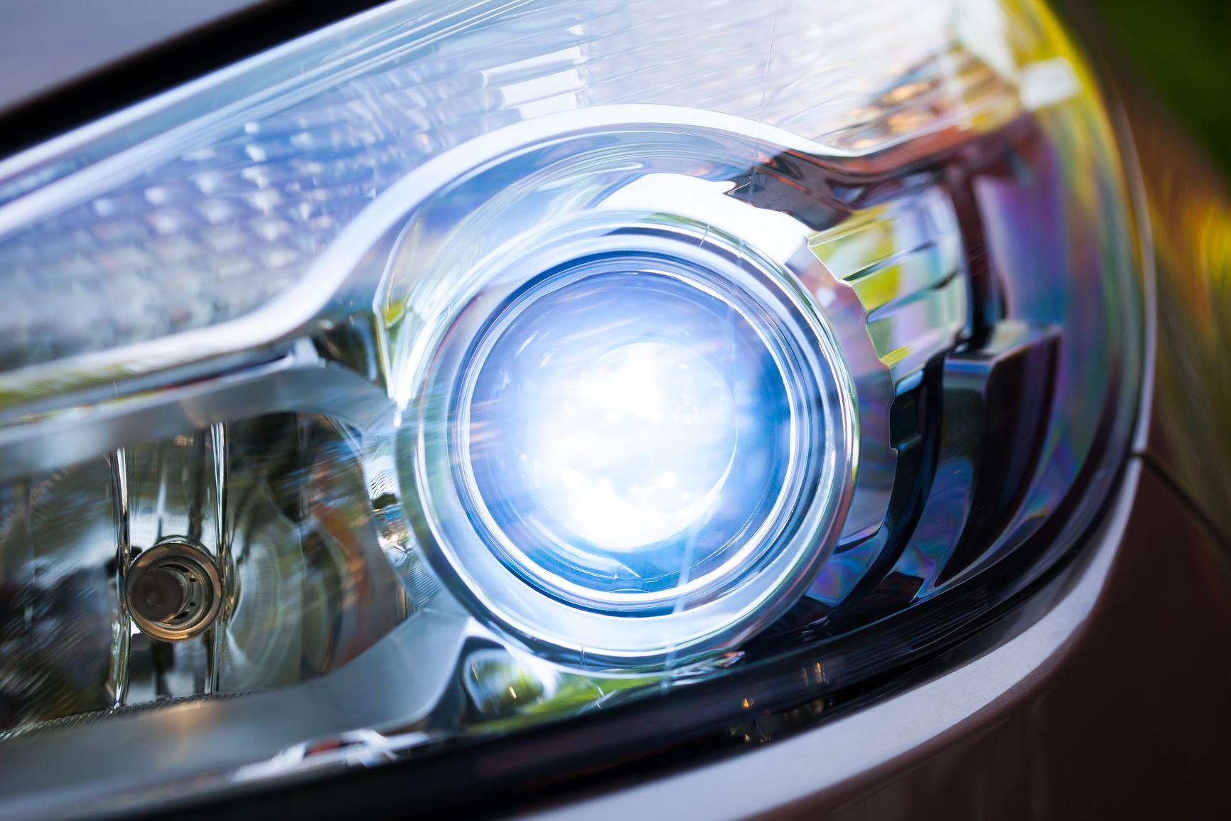 Fari auto quali sono obbligatori quando e sanzioni - Art 79 codice della strada pneumatici diversi ...