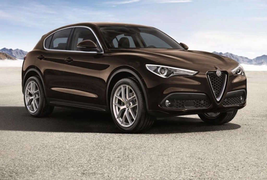 alfa romeo stelvio un nuovo cuore batte sotto il cofano. Black Bedroom Furniture Sets. Home Design Ideas