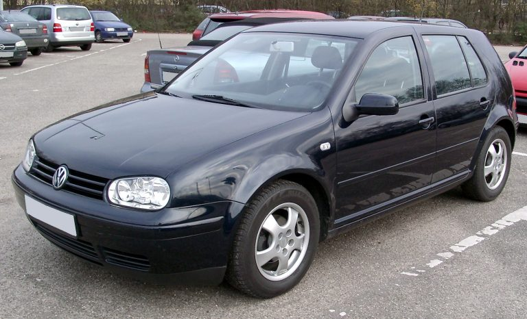 Volkswagen Golf IV: la nuova identità della berlina