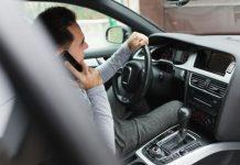 ritiro patente per chi guida con cellulare