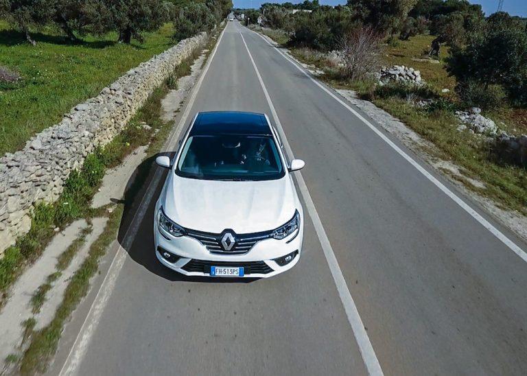 Renault Megane Grand Coupé: prezzi, motori, caratteristiche