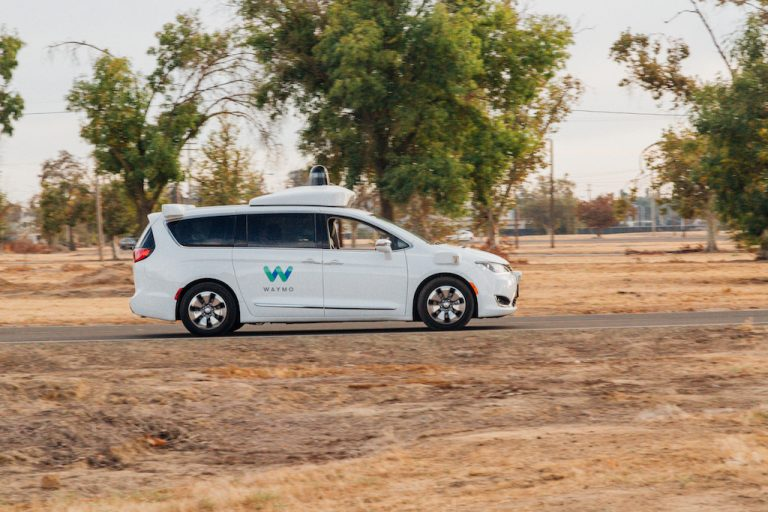 Taxi autonomi: sguinzagliati su strada