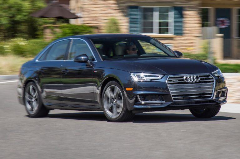 Tappetini auto Audi A4: in vendita sui siti e-commerce