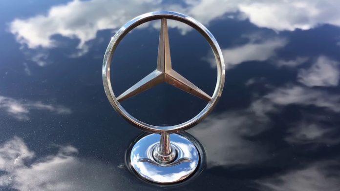 Mercedes Freightliner eCascadia