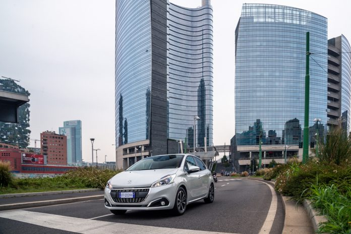 Peugeot 208 Signature 2019