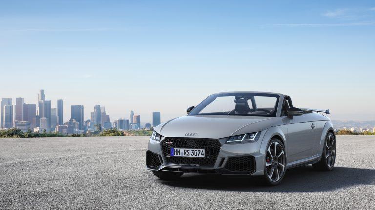 Nuove Audi TT RS Coupé e Roadster all'apice della forma