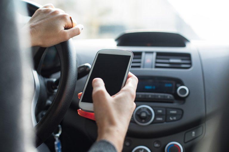 Manutenzione auto: quali sono le migliori app per ricordare le scadenze
