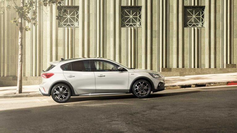 Ford Focus, l'esperienza di guida con la versione ibrida: efficienza e consumi ridotti