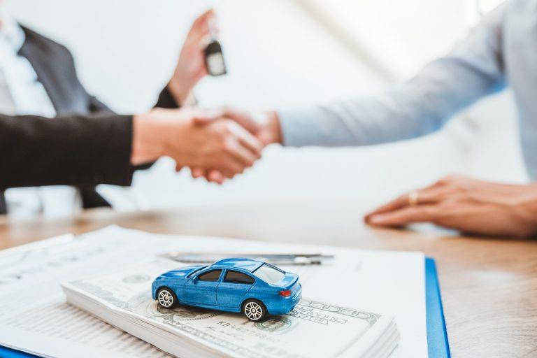 Acquisto diretto, leasing o noleggio auto? Pro e contro per le aziende